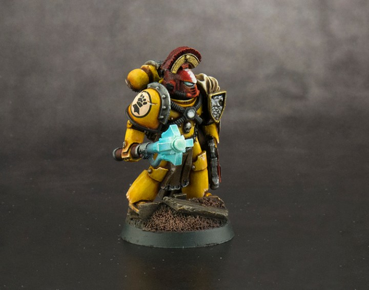 Imperial-Fist-Captain-FINISHED-02