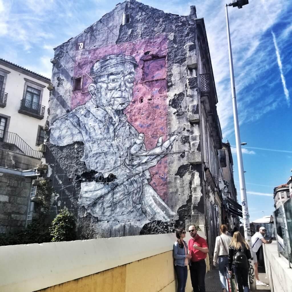 street art mural in Porto, Portugal