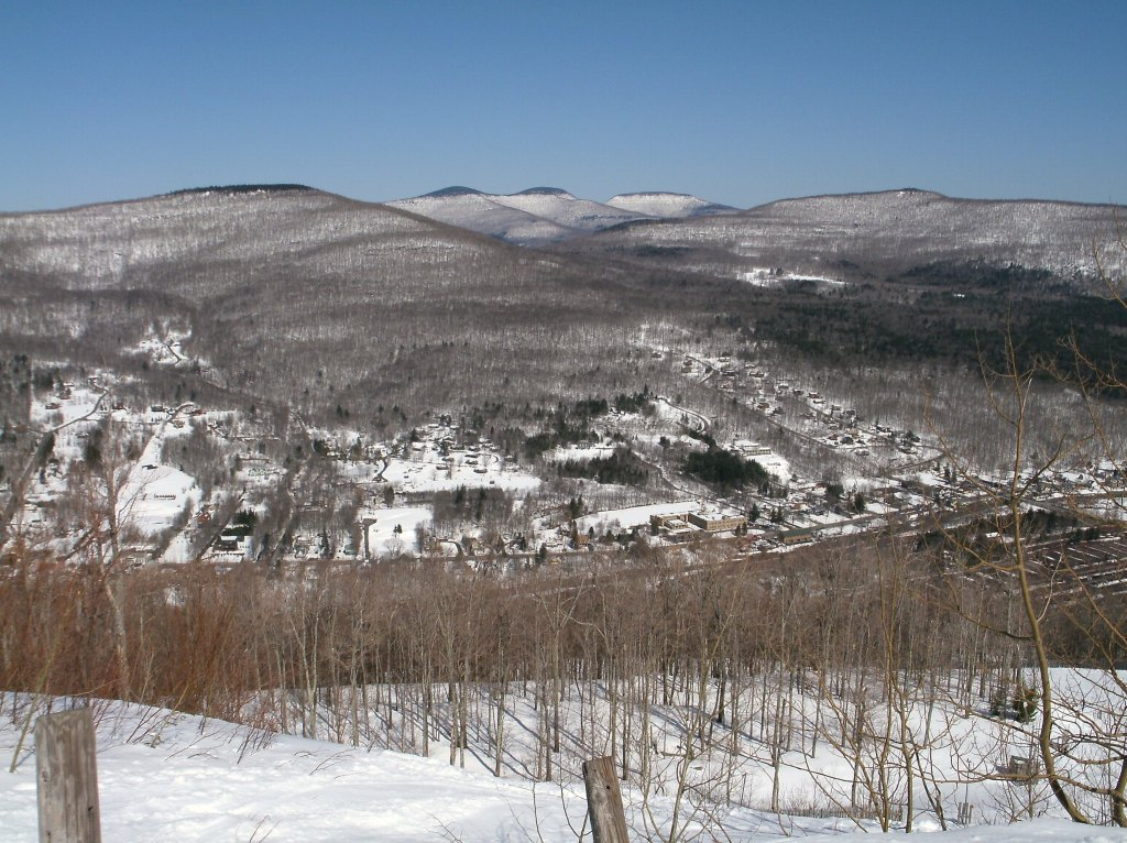 Snow covered mountain in Hunter, NY, a skiiers dream for NYC day trips.