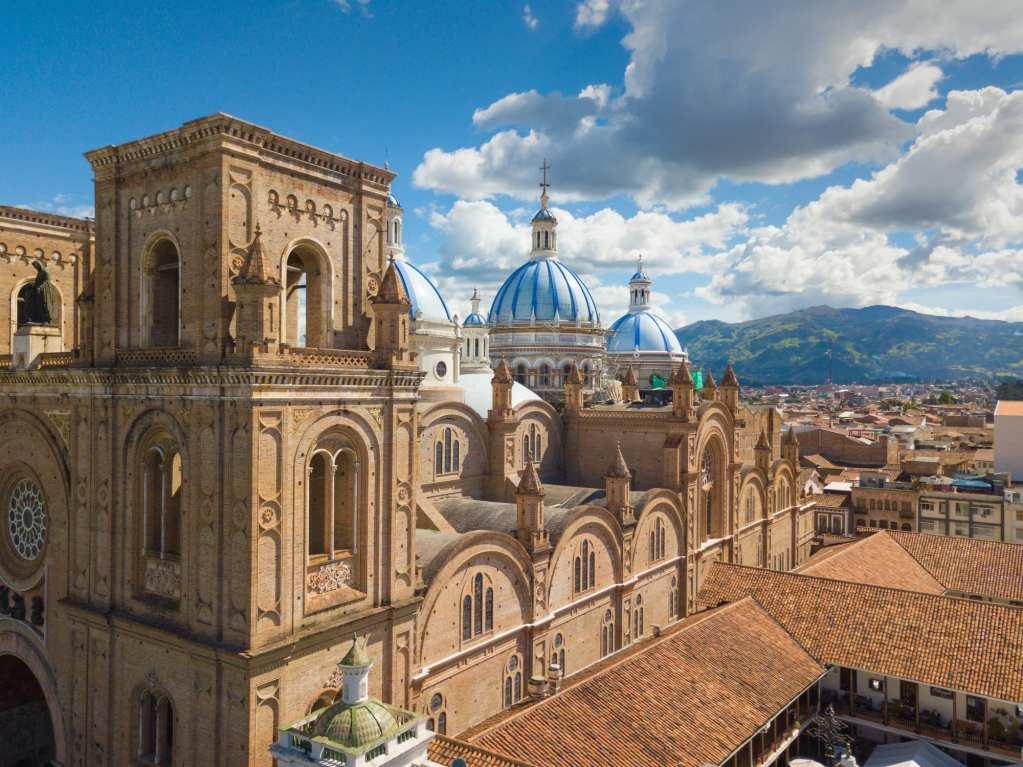Skyline of Cuenca, Ecuador featuring the Immaculate church.