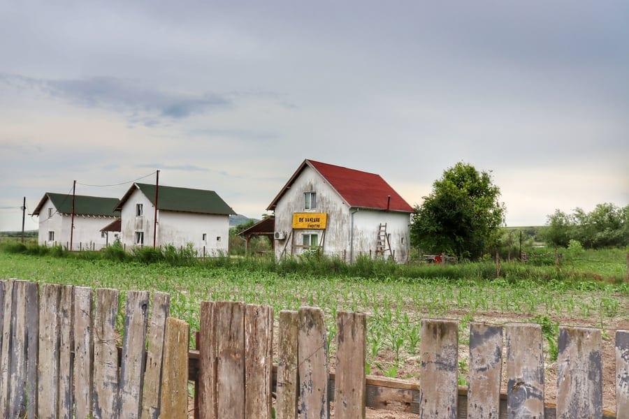 Baltenii de Sus, village in Danube Delta, Romania with farm houses for sale