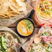 Torchy's Tacos reparten tacos gratis para graduados de 2020 por un año
