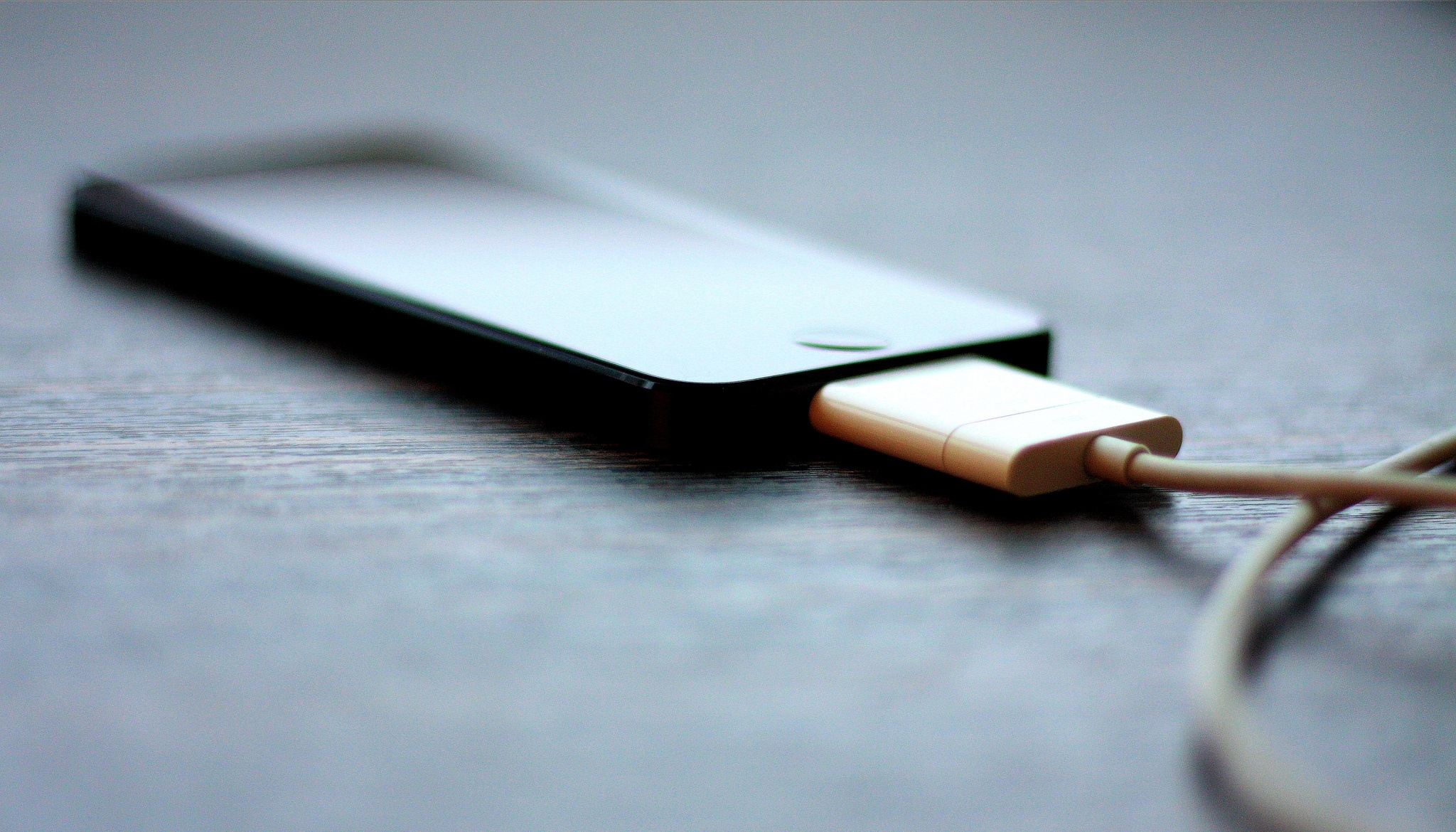 Should we charge our smartphones overnight?