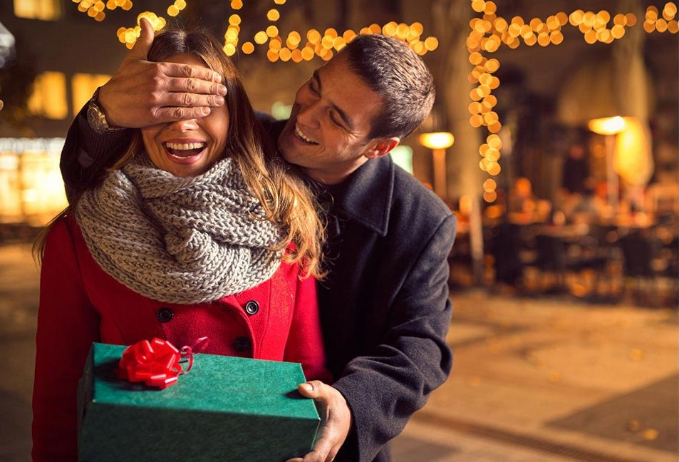 Valentine's Day: Top 5 tech gift ideas for him and her