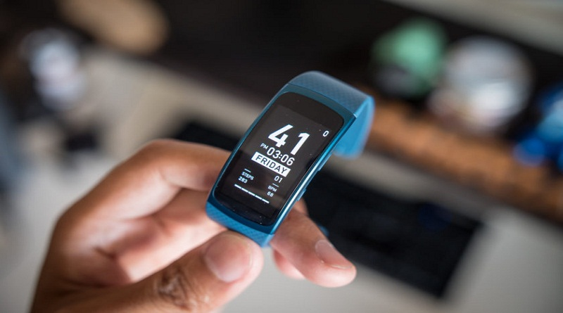Samsung Plans to Launch new Gear Fit Pro Fitness Tracker ...