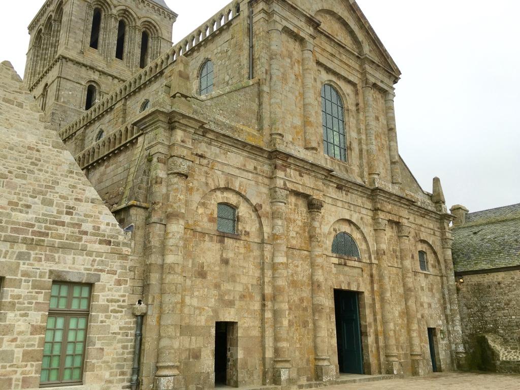 mont saint michel abbey front