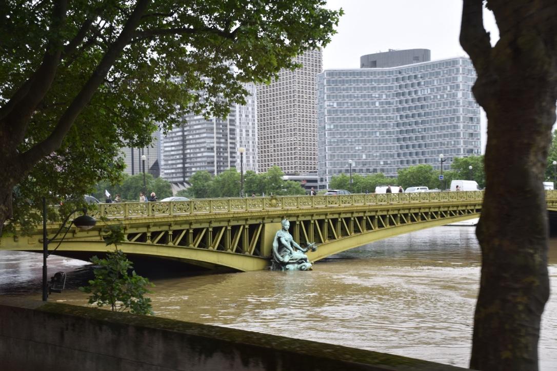 seine river flooding