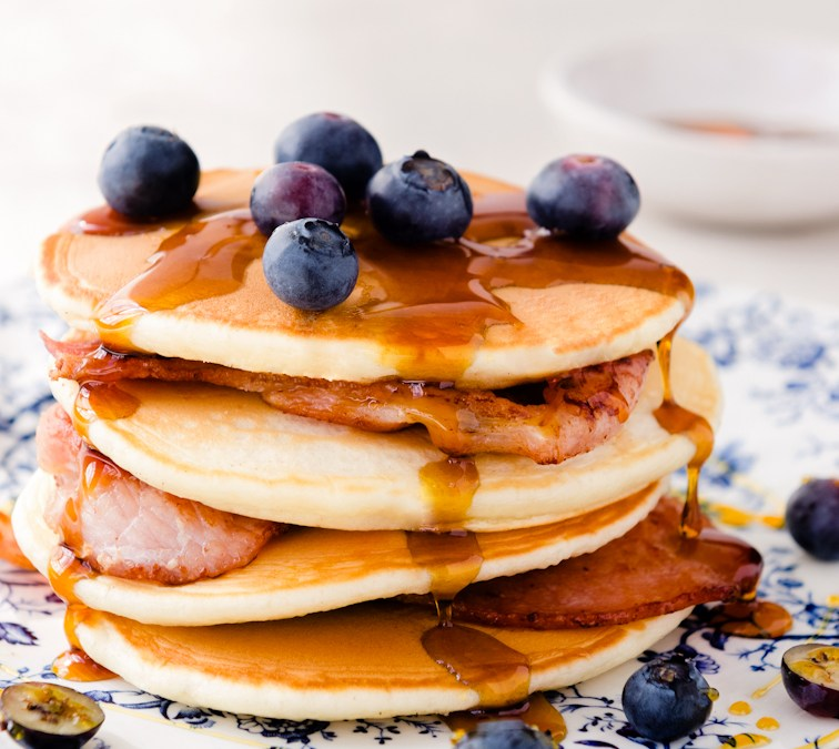 Nell's Kitchen | Buttermilk Pancakes with Bacon and Blueberries
