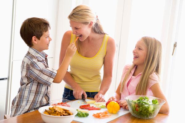 https://i1.wp.com/www.themominitiative.com/wp-content/uploads/2013/06/healthy-mom.jpg