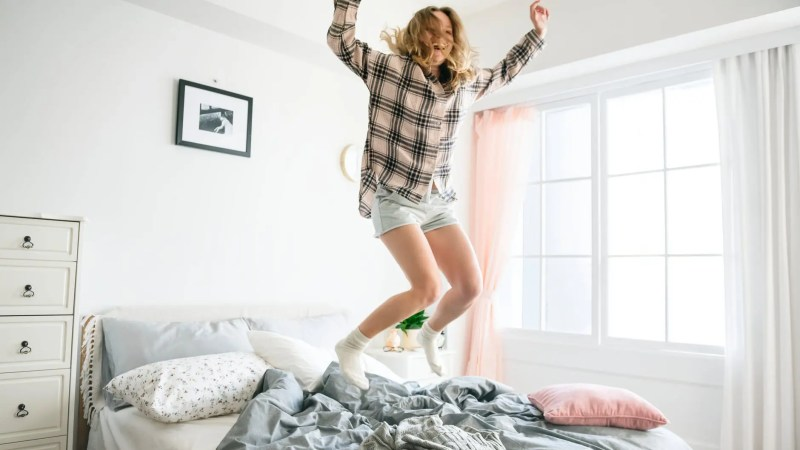 Lying down on a wrong mattress can cause numerous health problems. Find out the real relationship between sleep, health, and mattresses. #sleephealth