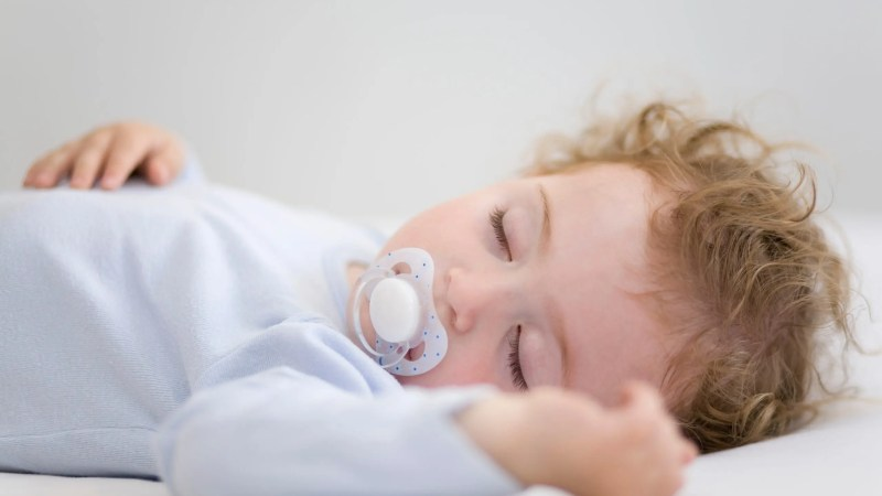 Are you struggling to get your child to sleep on their own? Seeking help from sleep consultant for your baby sleep training #baby #toddler #sleeptraining