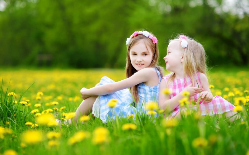 Adorable Matching Easter Outfit Ideas for Sisters