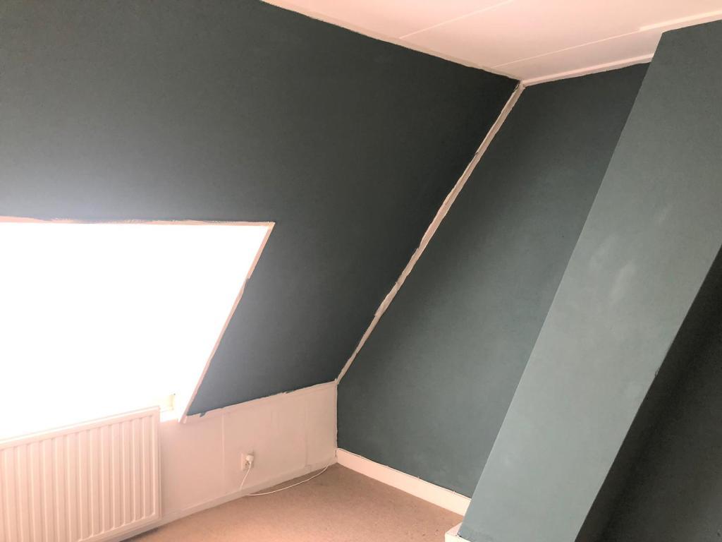 Floris zijn kamer is Greyed Green van Flexa