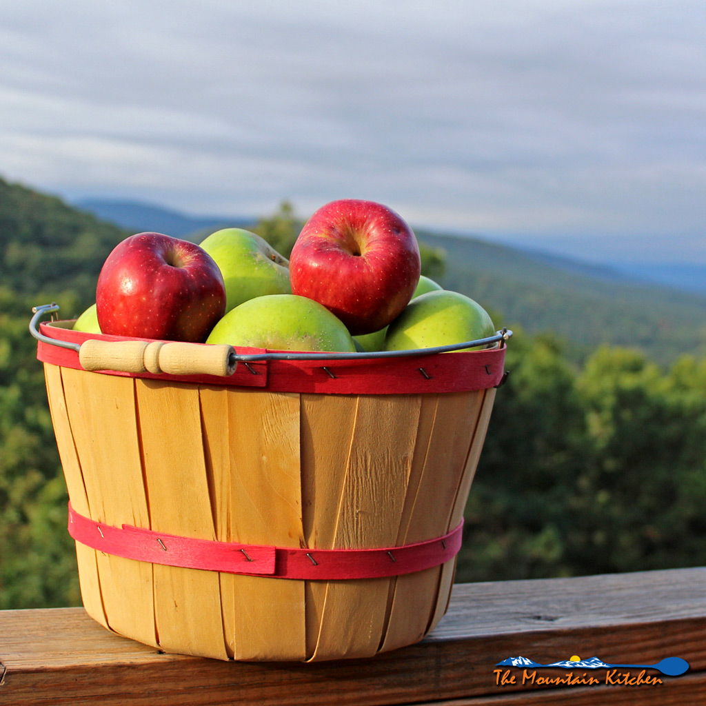 Fresh Mountain Apples For The Best Apple Crumb Pie Ever