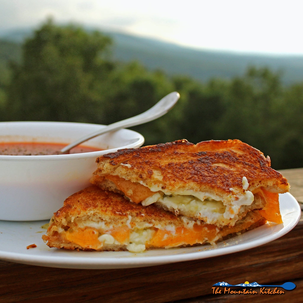 Jalapeno Pepper Jelly Grilled Cheese Sandwiches {A Meatless Monday Recipe