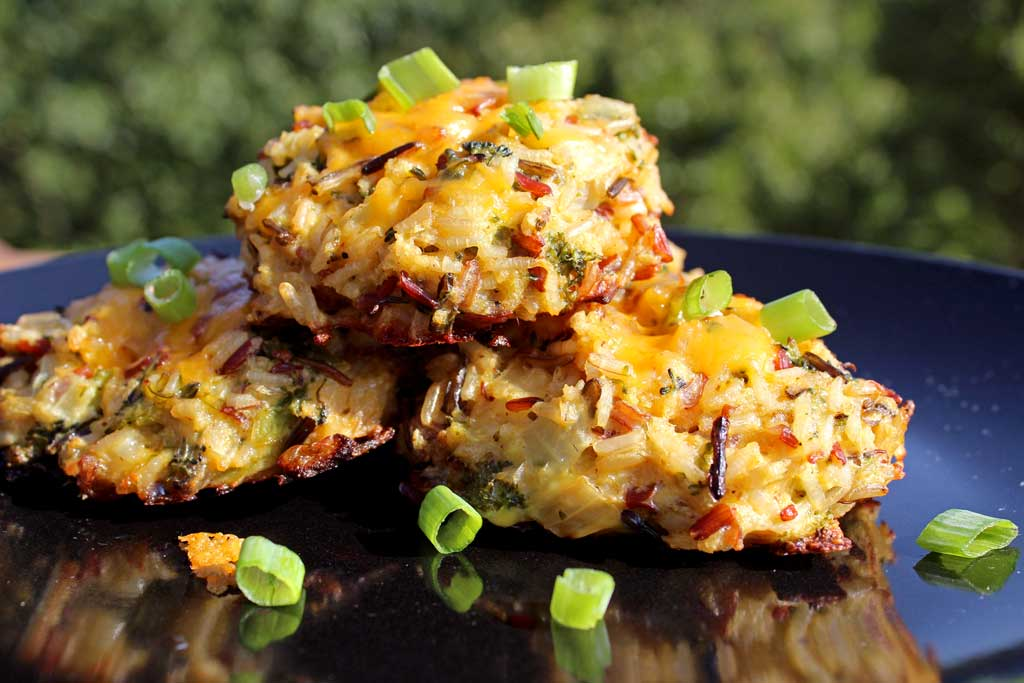 Broccoli Cheddar Wild Rice Cakes {A Meatless Monday Recipe