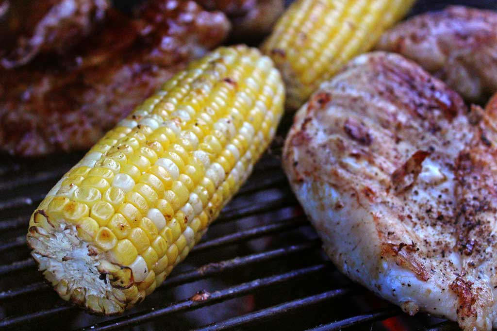 grilling corn and chicken