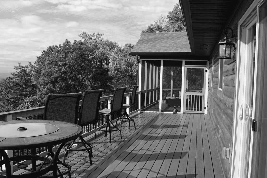 This year has been kind of strange. The weather started out really cold and by the time it warmed up all we seemed to do was wait for our new deck to be built and before we knew it Christmas was here! Let's take a look back at 2017. | TheMountainKitchen.com