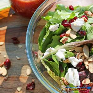 10 Minute Cranberry-Almond Salad {A Meatless Monday Recipe