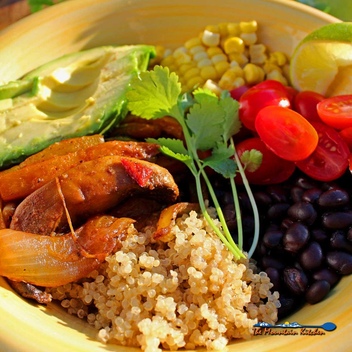 Vegetarian Quinoa Fajita Bowls {A Meatless Monday Recipe