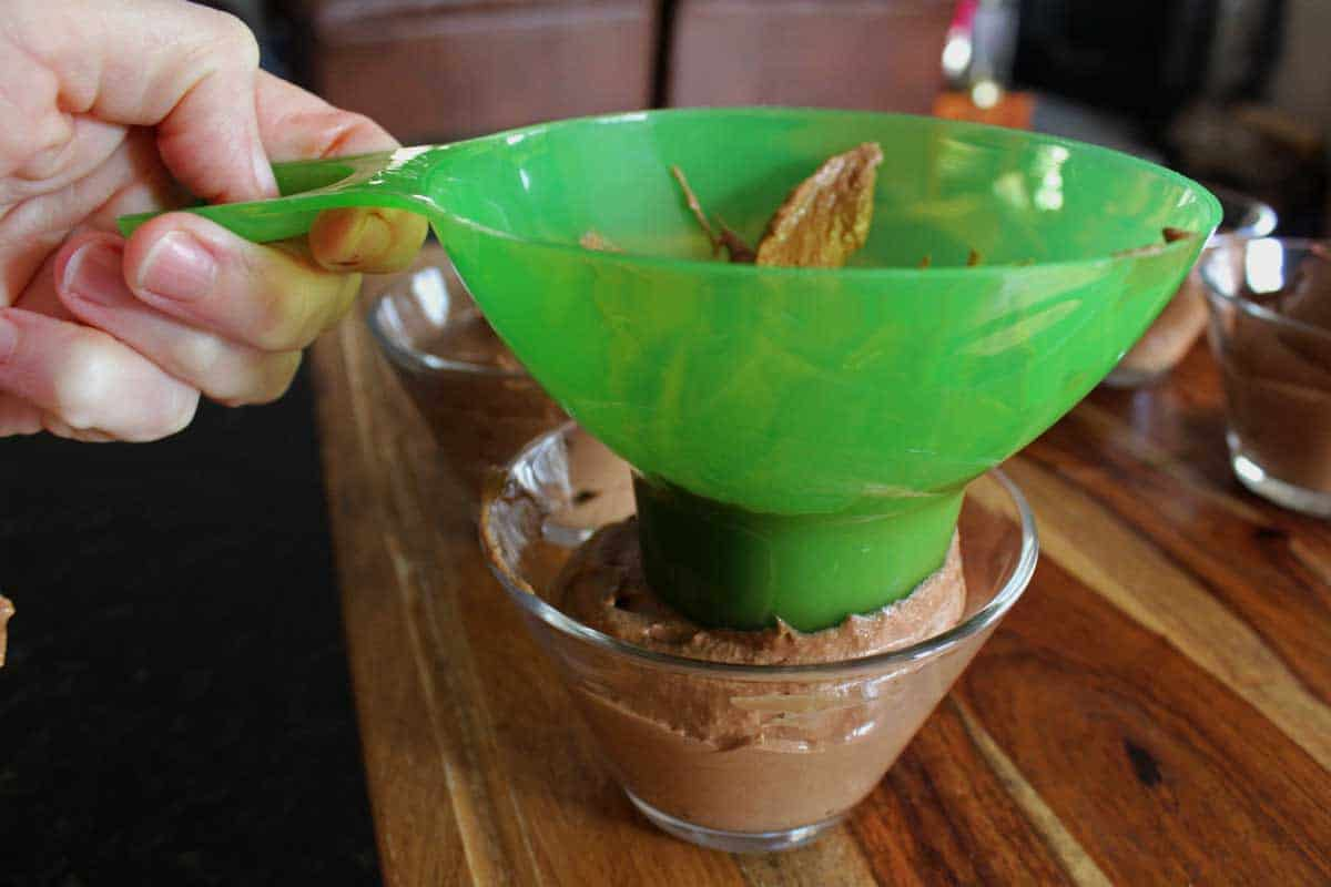 wide mouth funnel with mousse