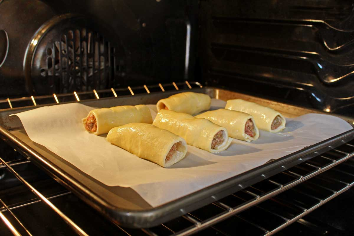 baking rolls in the oven