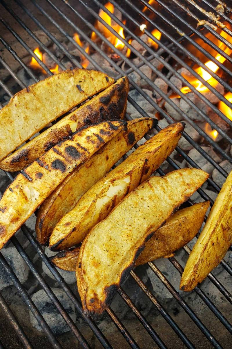 potato wedges on grill