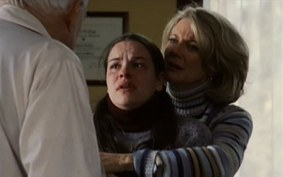 Tammy Blanchard and Blythe Danner in We Were the Mulvaneys (2002)
