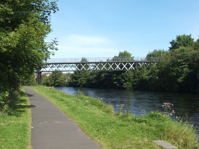 River Leven near the site of Duncan Kemp's 1891 bicycle accident. © Copyright Lairich Rig and licensed for reuse under this Creative Commons Licence.