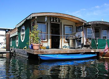 English: A houseboat on Lake Union in Seattle,...