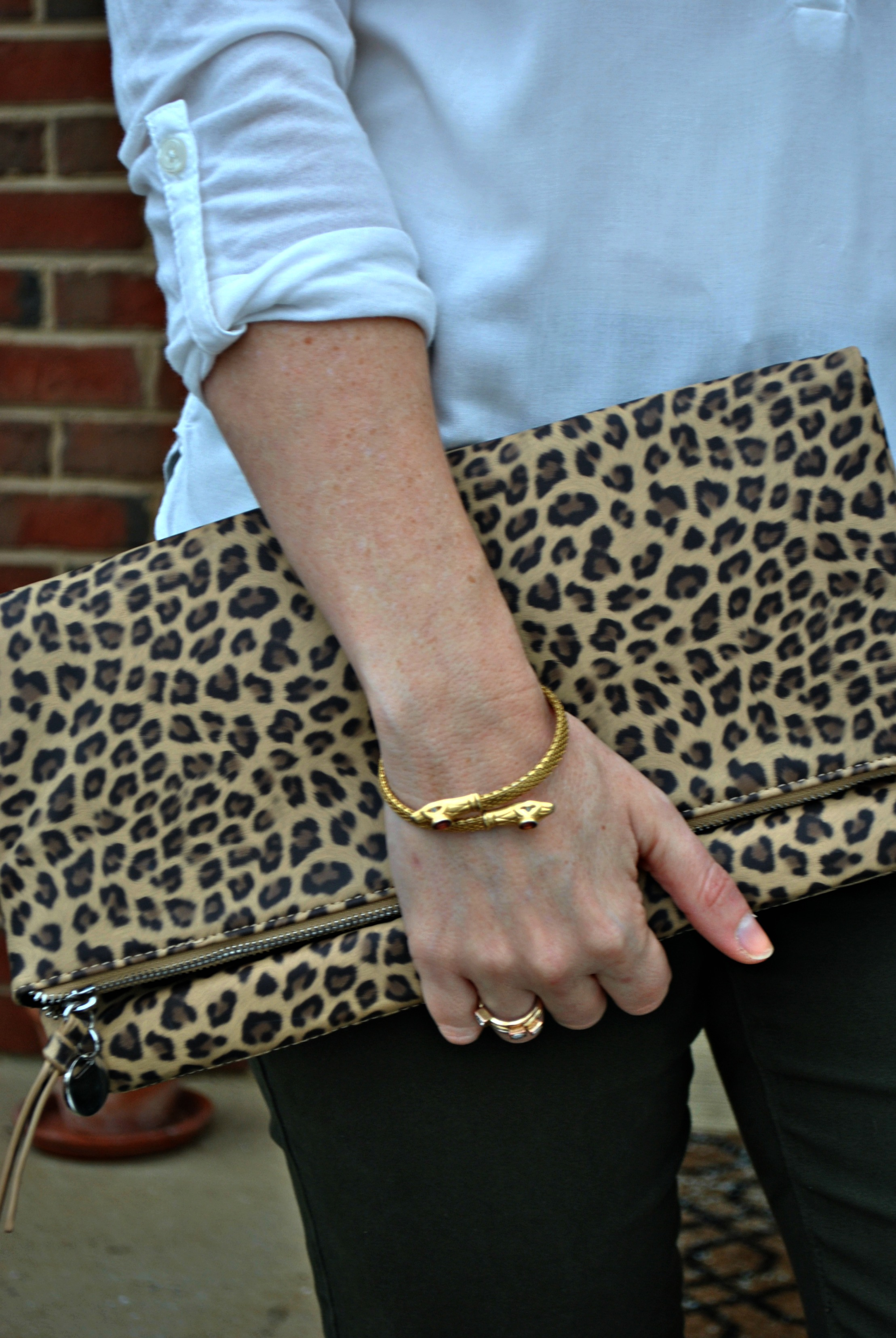 leopardclutchdetail