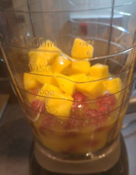 Orange, Mango & Raspberry smoothie - a week worth of smoothie recipes