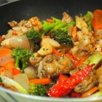 Stir-fry Black pepper chicken with veggies!
