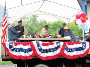 The judges get to work naming 2015's most creative parade entry winners.