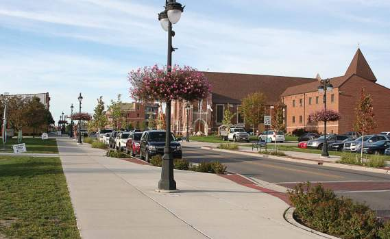 Fenton, Mich., completed an award-winning streetscape and rehabilitation project in 2016. The result has brought people and businesses into the downtown area. (Photo provided)