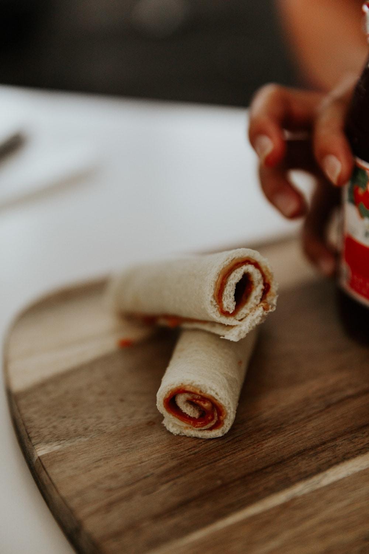 Peanut Butter & Jelly Roll-Ups - School Lunch Ideas