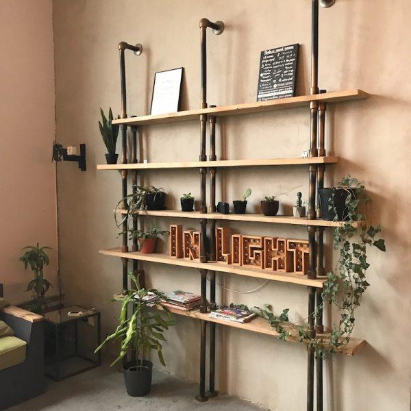Smart & Ultramodern Wall Decoration Ideas using Glass Shelves
