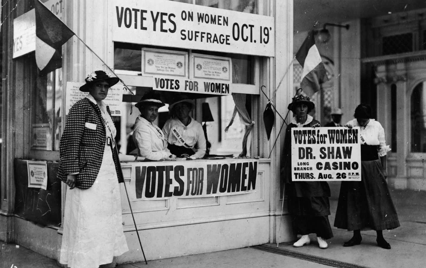 August 26 The 19th Amendment Goes Into Effect
