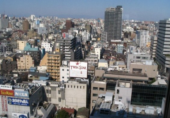 Moderate quake felt in Tokyo, but causes no damage