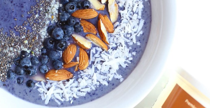BANANALESS VEGAN BLUEBERRY MACA SMOOTHIE BOWL