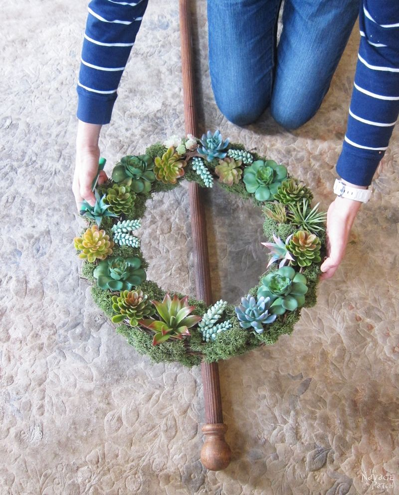 DIY Wreath Stand | How to make a table top wreath stand from a table lamp | How to repurpose & upcycle a table lamp | Repurposed & upcycled curtain rod | Fusion paint | How to repair a broken home decor with Apoxie Sculpt | How to use air dried clay | Before & After | Easy & budget friendly home decor | DIY Farmhouse decor | DIY upcycled & repurposed home decor | DIY spring wreath | TheNavagePatch.com
