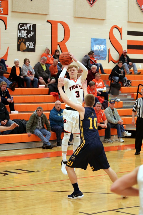 NB Boys Beat New Riegel Basketball