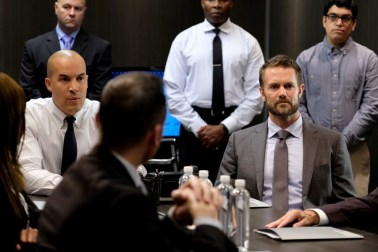 Jace Turner (Coby Bell) and Dr. Roderick Campbell (Garret Dillahunt) in The Gifted 1.07 'eXtreme measures'