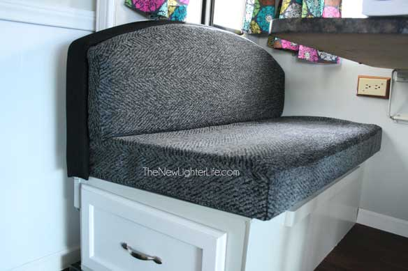 How To Refinish An Ugly Booth Dinette The New Lighter Life