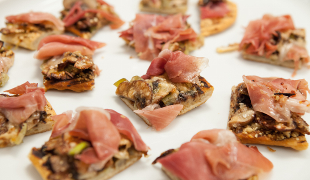 Mushroom Leek And Prosciutto Pizza From Tiffani Thiessen