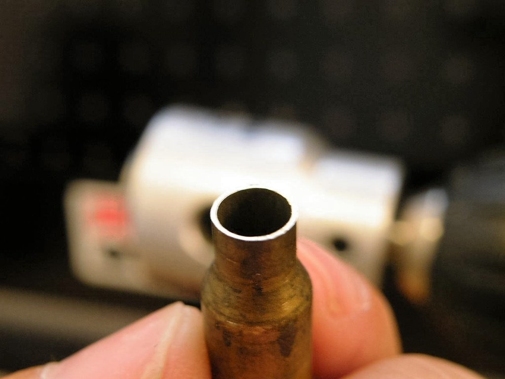 reload-bullets-in-apartment-21