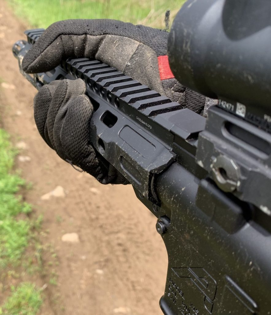 "The small 1.5"" outer diameter of the handguard allows me with size large hands in gloves, can get a full grip very easily."