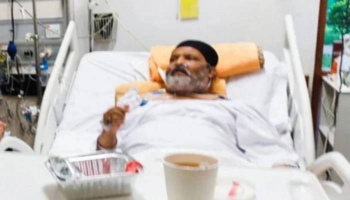 Umer Sharif is currently being treated in a private hospital in Karachi. — Twitter/File