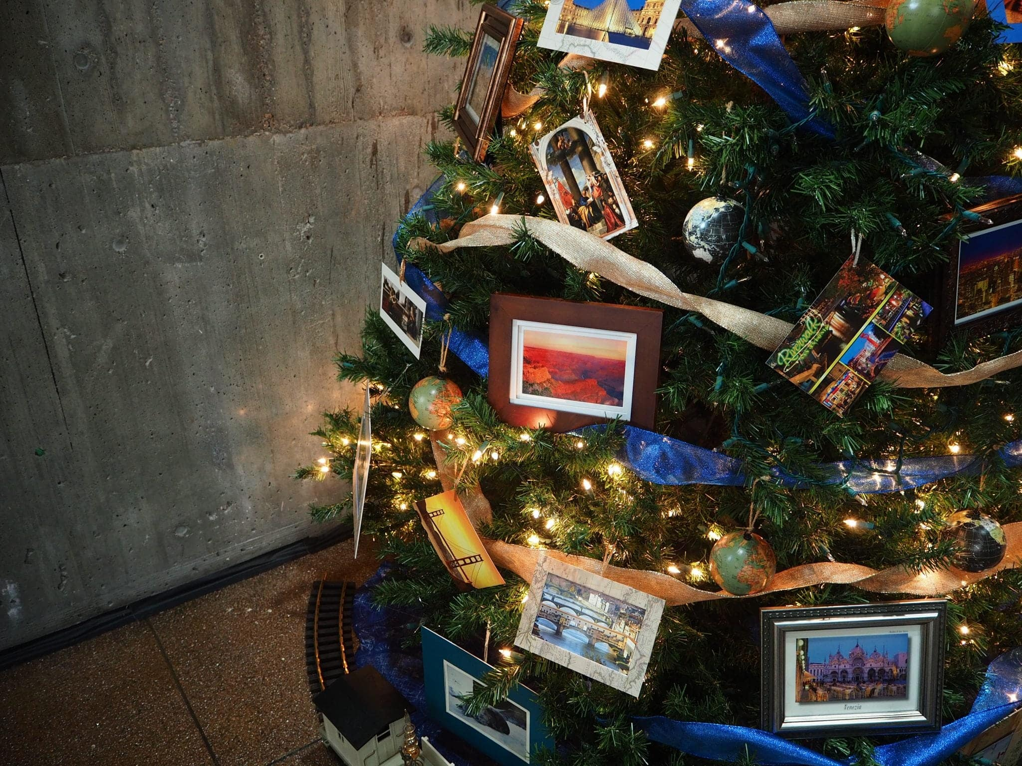 Cards on a tree