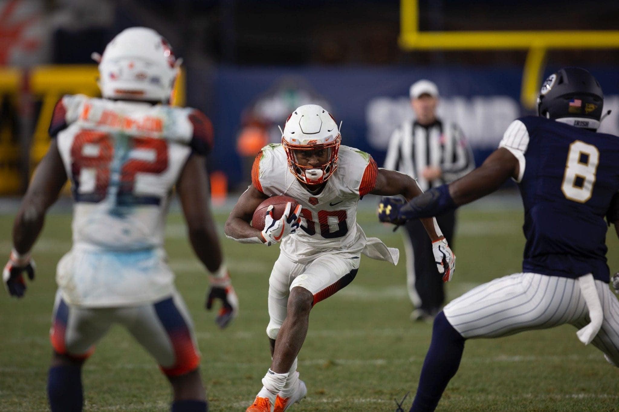Taj Harris running